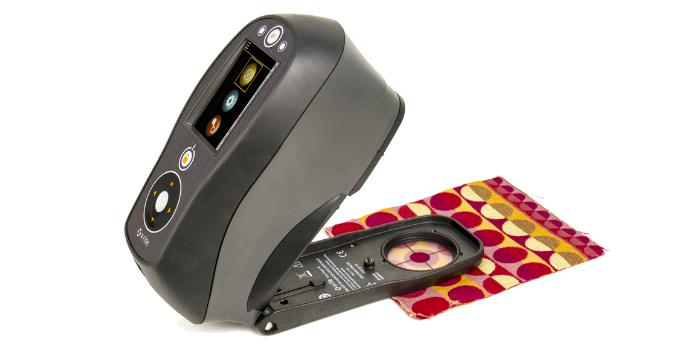 Máy đo màu cầm tay Ci64 Xritee